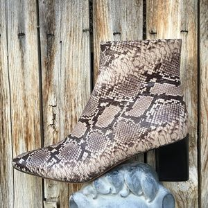 NWT Vince Lanica Snake Print Leather Boot 9